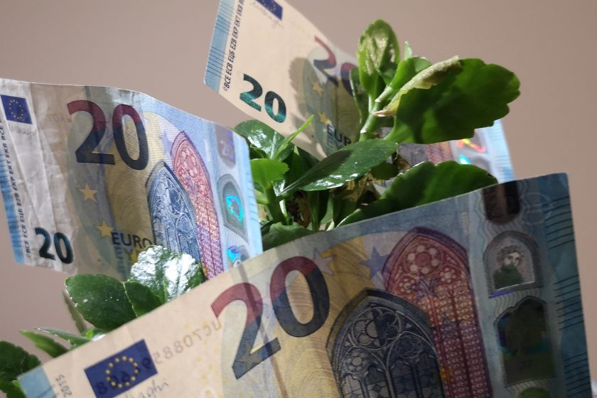 What is financial independence and how to achieve it